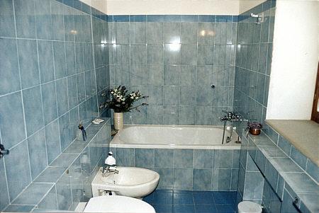 Agriturismo la casa bianca appartamento 4 for 2 bagni piccola casa